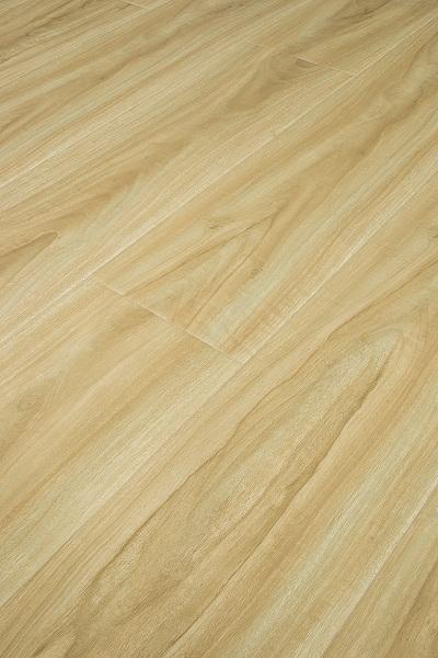 清扫现代简约复合地板也是保养必备