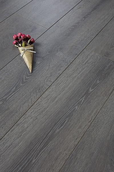 复合强化木地板保养技巧
