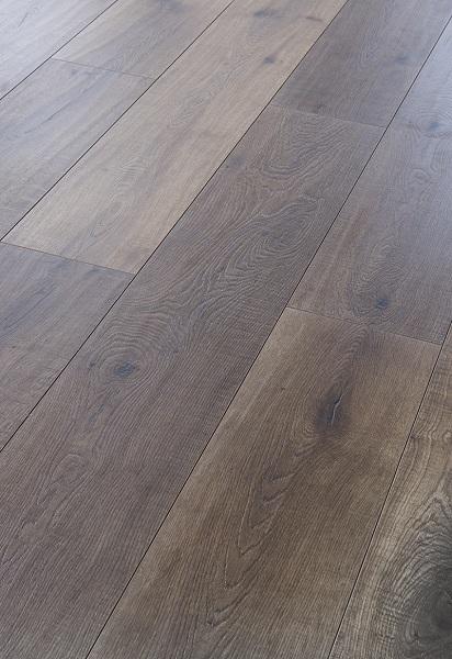 地暖用户实木强化复合地板冬季保养提示