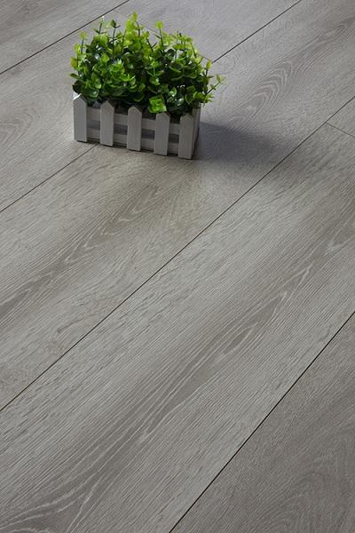 怎么预防欧式强化木地板湿胀起拱呢?